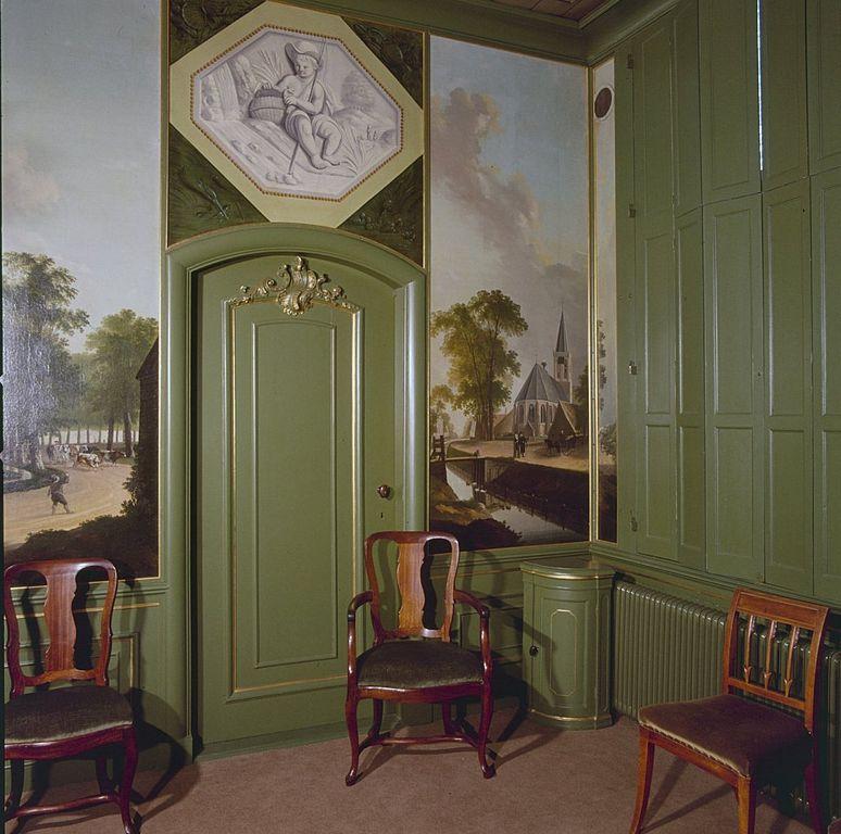 File interieur raadzaal geschilderd behang en deurstuk for Interieur 605