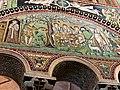 Italie, Ravenne, basilique San Vitale, mosaïque de l'histoire d'Abraham et de son fils Isaac, VIe siècle (48087026386).jpg
