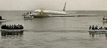 JL2 ditched in shallow water short of the runway at SFO in 1968.
