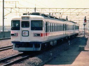 165 series - Image: JRE EC165 Shuttle Maihama