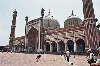 Sala principal de oración de la Jama Masjid.