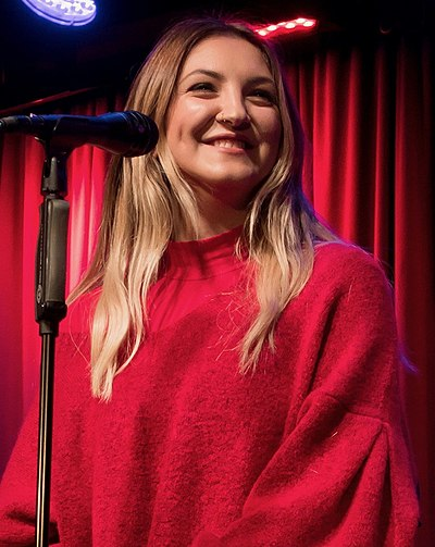 Picture of a band or musician: Julia Michaels