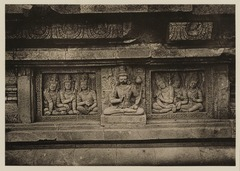 KITLV 40045 - Kassian Céphas - Reliefs on the terrace of the Shiva temple of Prambanan near Yogyakarta - 1889-1890.tif