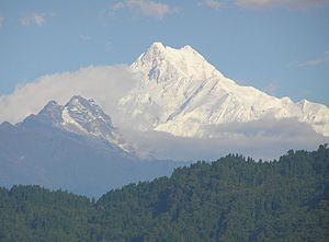 Douglas Freshfield - Kangchenjunga early in the morning, from Chouda Pheri.