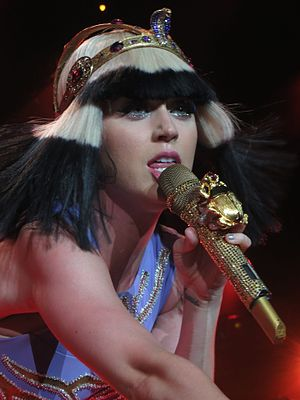 "Prismatic World Tour - Perry performing ""Legendary Lovers"""