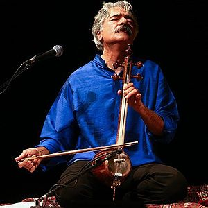 Kayhan Kalhor - Image: Kayhan Kalhor performance in Vahdat Hall 2016 (8)