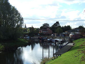 Kegworth - The view from Soar Bridge — the canalised river is the border between the counties of Leicestershire and Nottinghamshire