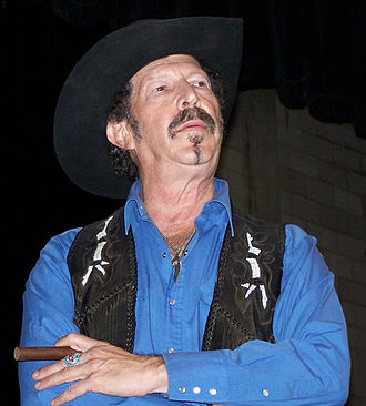 Kinky Friedman - Friedman contemplates a question from the audience at a campaign rally in Bastrop during the 2006 Texas gubernatorial campaign.