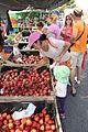 Kjøpe frukt.JPG