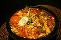 Korean stew-Sundubu jjigae-05.jpg