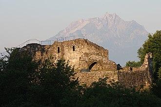Gesslerburg Castle - Image: Kuessnacht Gesslerburg Ostseite