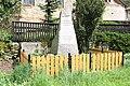 Kunemil, pomník s nápisem.jpg
