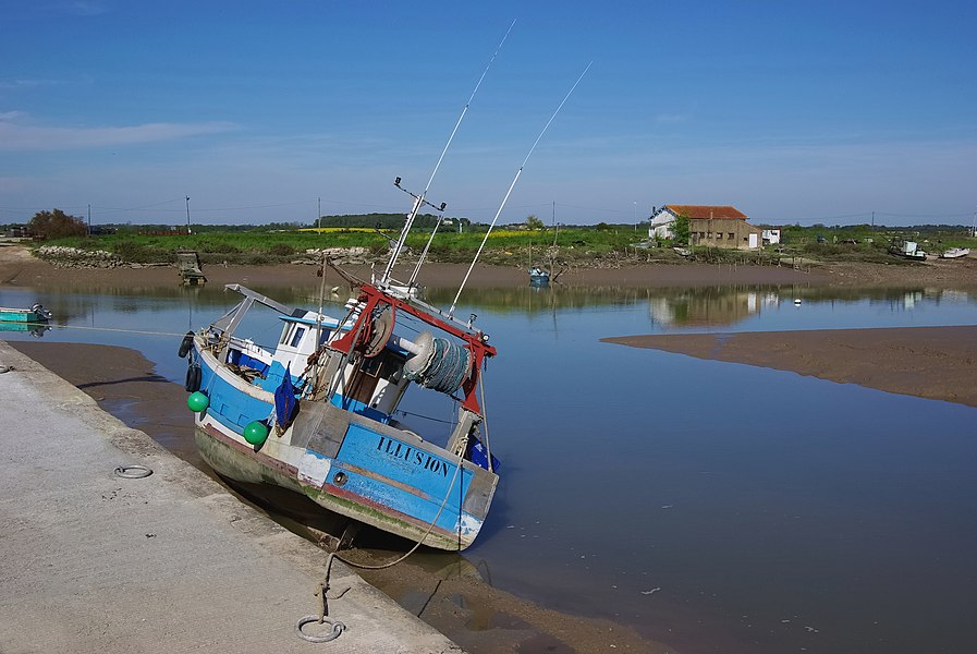 Fishing-boat, port of L'Éguille on the river Seudre, Charente-Maritime, France.
