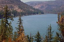 Lake Billy Chinook, Deschutes National Forest, Oregon (photo by Bob Nichol).jpg