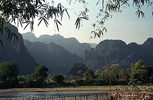 วังเวียง: Image:Laos Landscape in Vang Vieng