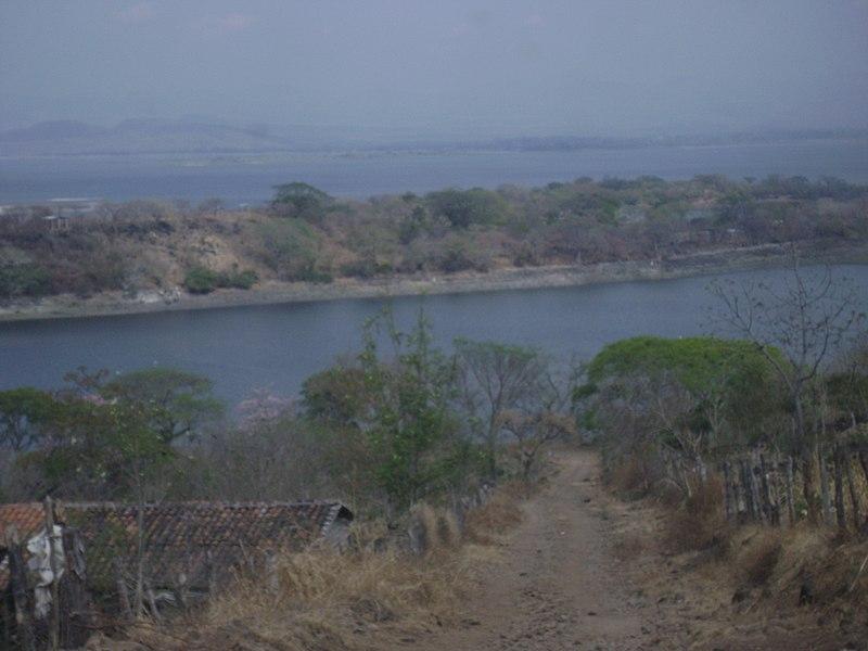 File:Las Cuevitas, Güija.jpg