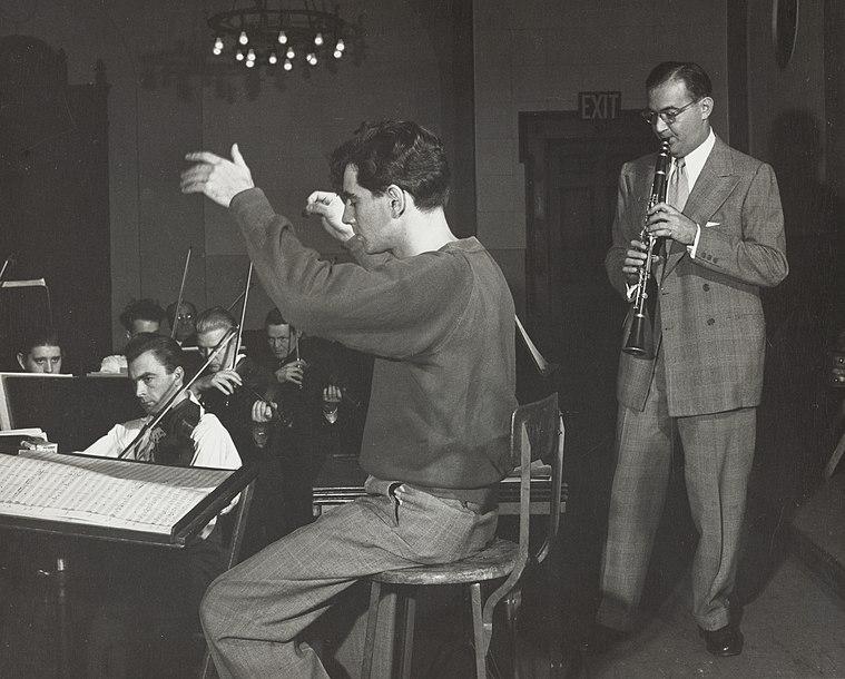 Leonard Bernstein and Benny Goodman in rehearsal