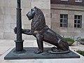 Lion statue by Miklós Borsos (1954), 2017 Lágymányos.jpg