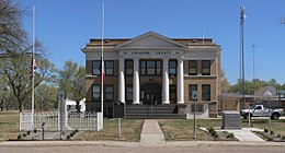 Lipscomb County, Texas, courthouse from W 3.JPG