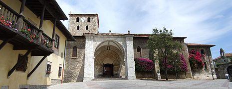 Llanes - Basílica menor.jpg