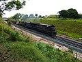 Locomotivas de comboio que saía sentido Guaianã do pátio da Estação Ferroviária de Itu - Variante Boa Vista-Guaianã km 201 - panoramio.jpg