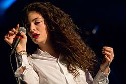 Lorde in Seattle 2013 -1.jpg