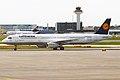 Lufthansa, D-AISV, Airbus A321-231 (16270694349).jpg