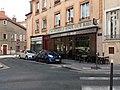 Lyon 5e - Place Saint Alexandre, commerces.jpg