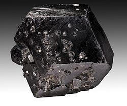 meaning of andradite