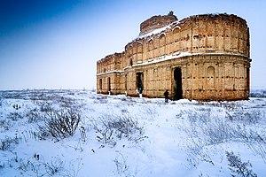 Imagen invernal del Monasterio de Chiajna, Rumania.