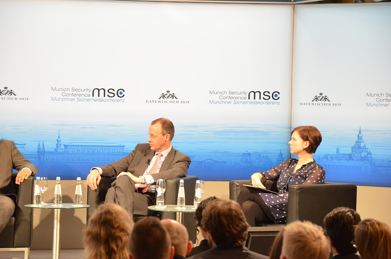 MSC50 unplugged youth event (12232998784).jpg