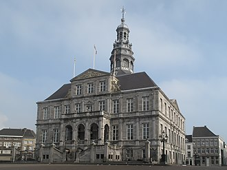 Maastricht City Hall - The building