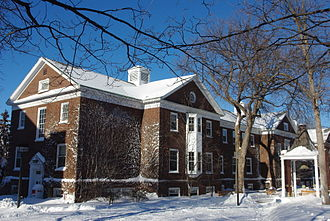 Macalester College - Weyerhaeuser Hall administration building