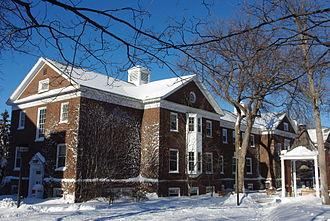 Macalester College - Weyerhaeuser Hall administration building