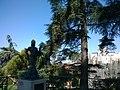 Madrid Jardines De Las Vistillas Estatua De La Violetera Vue Iglesia Santa María De La Almudena - panoramio.jpg