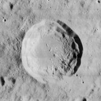 Mairan crater 4158 h2.jpg
