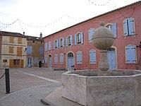 Mairie de Carla-Bayle.JPG