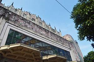 Manila Metropolitan Theater - Image: Manila Metropolitan Theater Main Facade