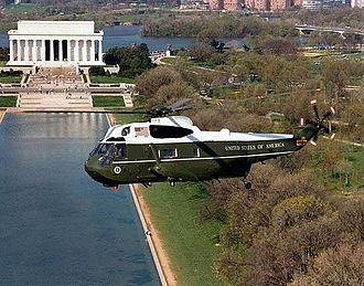 HMX-1 - A VH-3D Sea King flying over Washington, D.C.