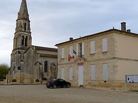 The church and town hall in Marsas