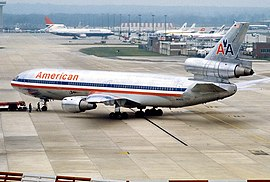 McDonnell Douglas DC-10-30, American Airlines AN1120539.jpg