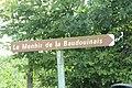 Menhir de la Baudouinais - Livré-sur-Changeon 08.JPG
