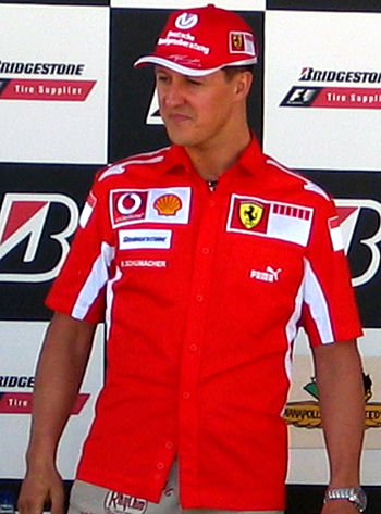 English: Michael Schumacher at a press confere...