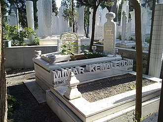 Mimar Kemaleddin - Grave of Mimar Kemalettin Bey at the cemetery of the Bayezid II Mosque in Istanbul.