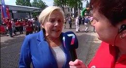Bestand:Minister Bijleveld bezoekt Wijchen tijdens Vierdaagse.webm