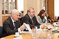 Ministru prezidents Valdis Dombrovskis tiekas ar Igaunijas aizsardzības ministru Martu Lāru (6770106789).jpg