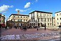 Montepulciano, piazza grande 01.jpg