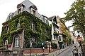 Montmartre rue Cortot 002.JPG