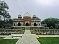 Mosque of Isa Khan Niyazi's tomb in Delhi.jpg