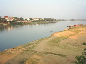 Mun River - The Mun River in the dry season, Ubon Ratchathani